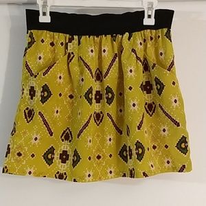 Forever 21- Light weight skirt size small (0115)